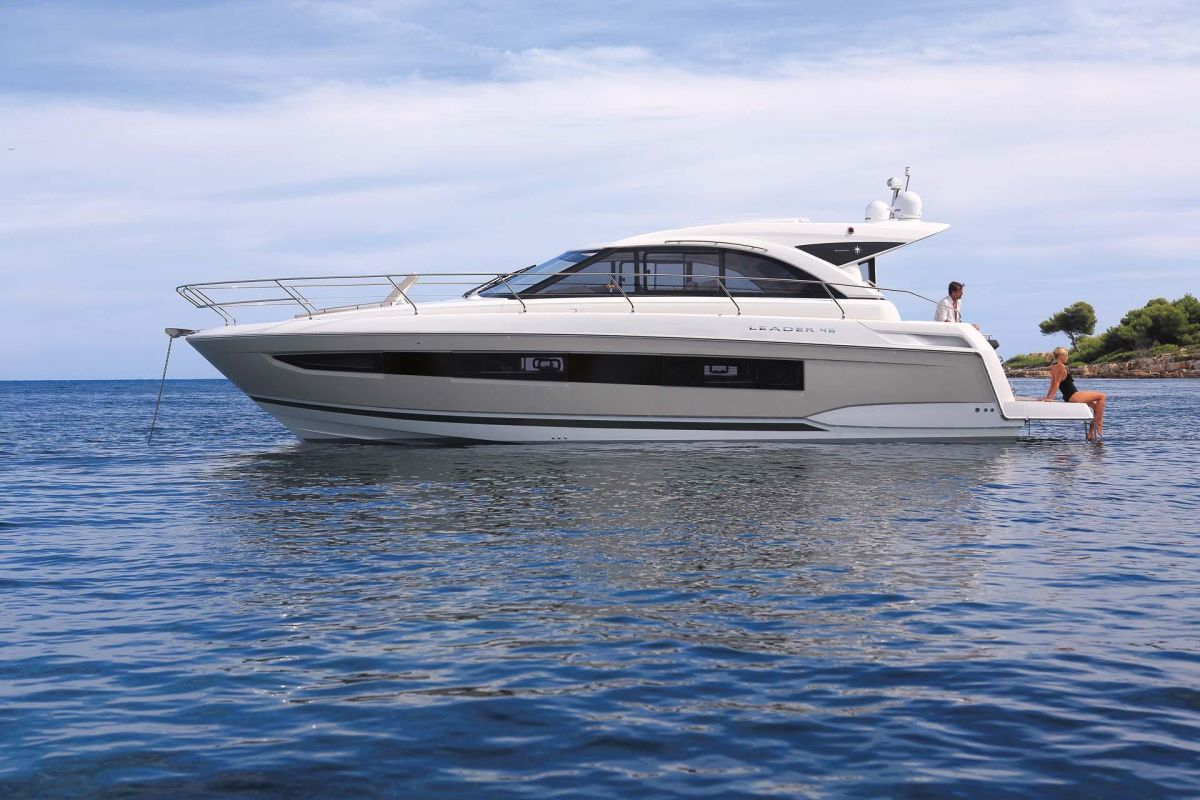 https://www.talamare.fr/medias/LOCATION YACHT LEADER 46