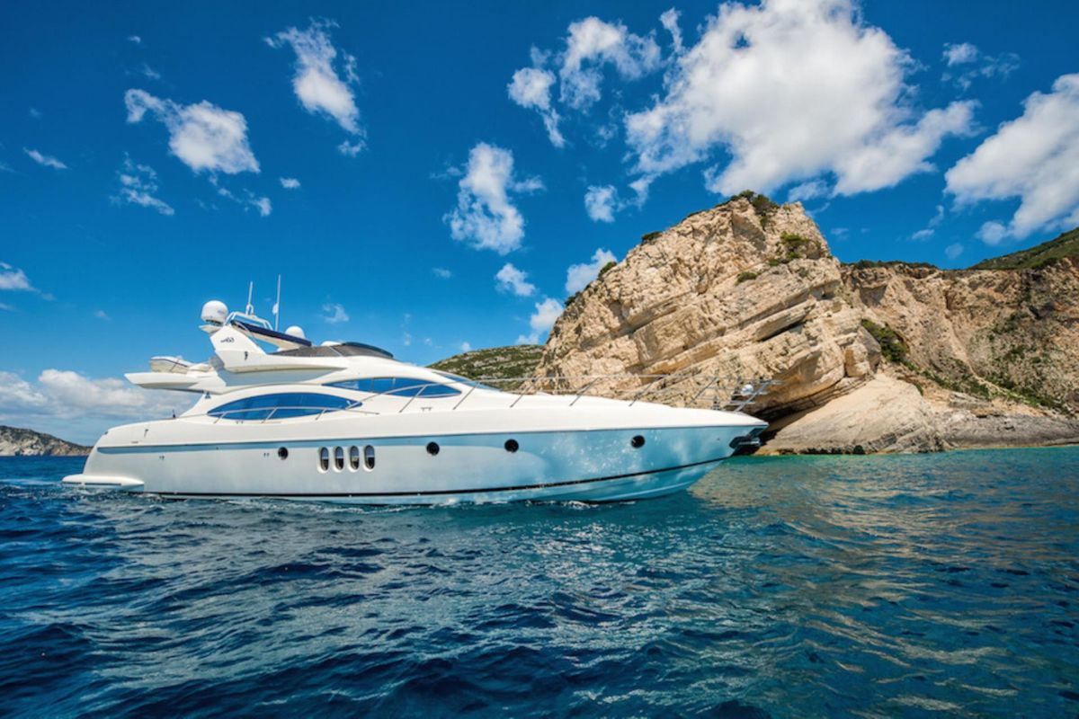 https://www.talamare.fr/medias/LOCATION YACHT AZIMUT 68