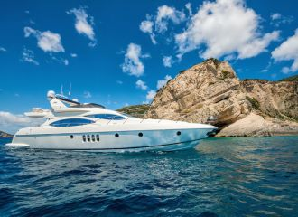 LOCATION YACHT AZIMUT 68