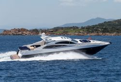 Location Yacht Sunseeker Predator 72 Sardaigne