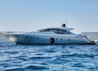LOCATION YACHT PERSHING 72