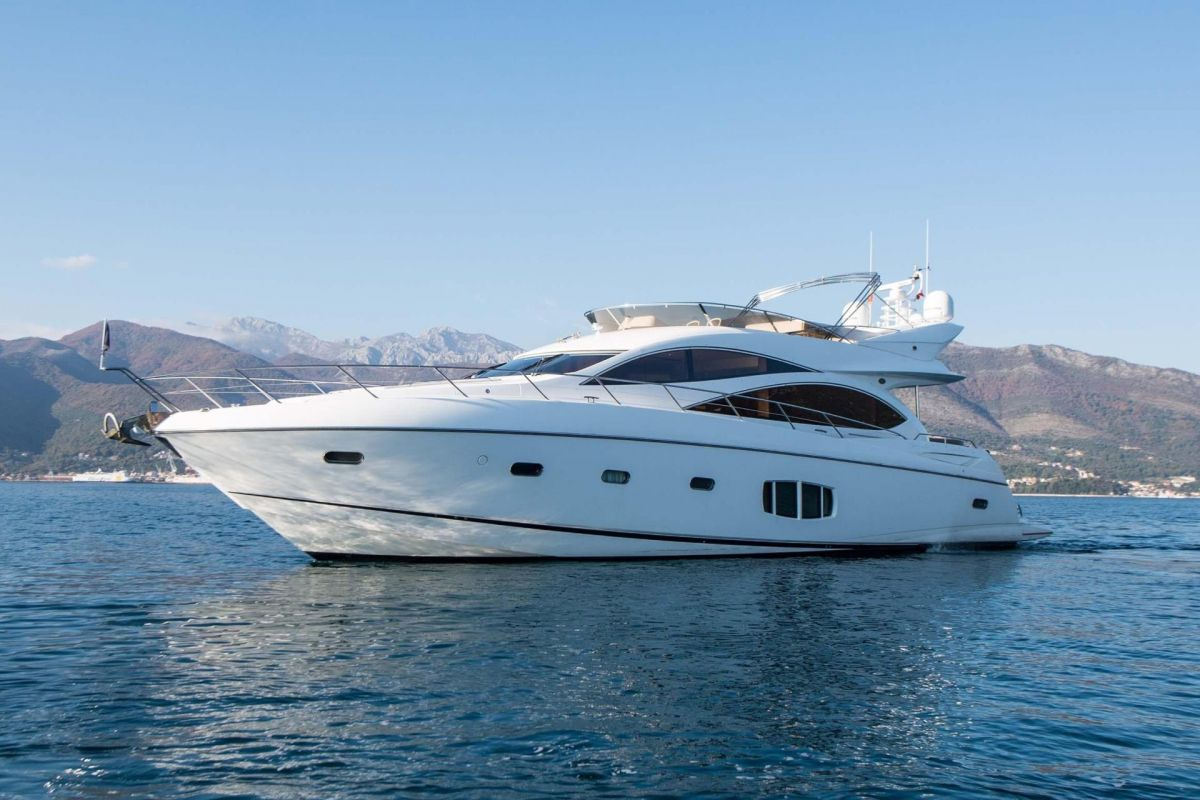 https://www.talamare.fr/medias/LOCATION YACHT SUNSEEKER MANHATTAN 70