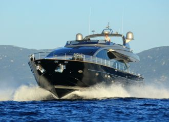 LOCATION YACHT RIVA 85 OPERA