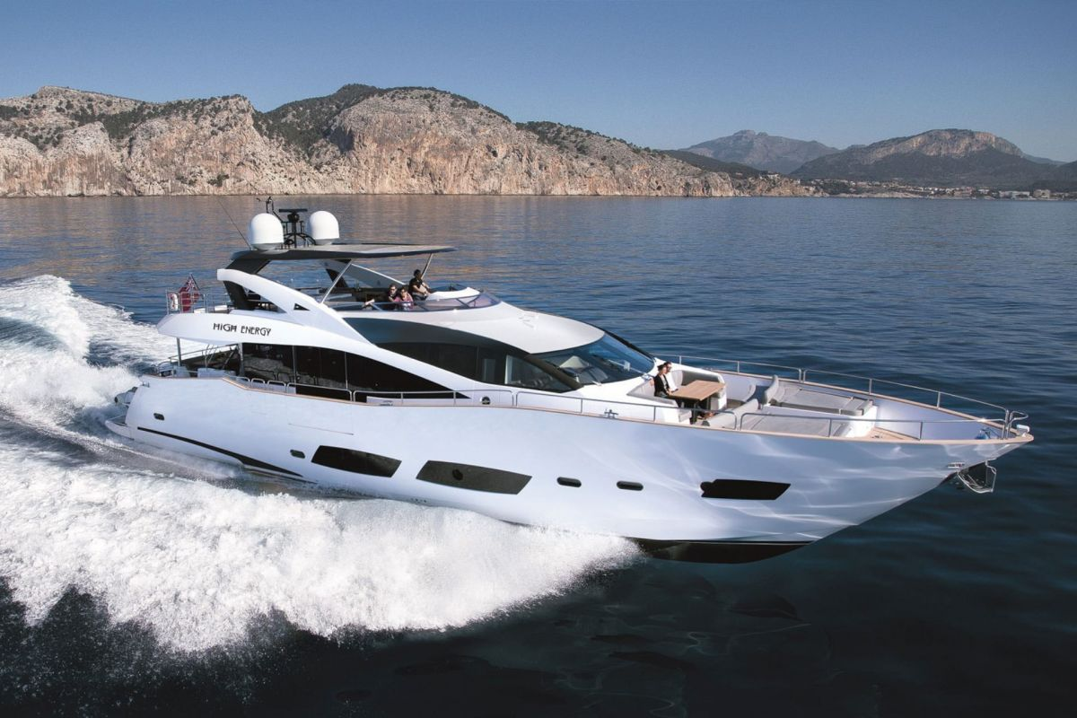 https://www.talamare.fr/medias/LOCATION YACHT SUNSEEKER 88