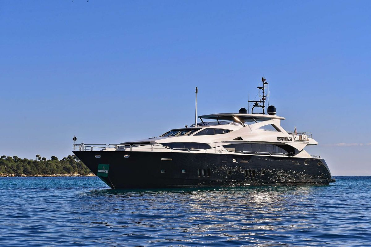 https://www.talamare.fr/medias/LOCATION YACHT SUNSEEKER 34M