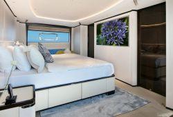 Benetti Delfino 95 - cabine armateur