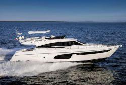 Location yacht Ferretti 650 dans le sud de la France - en croisière