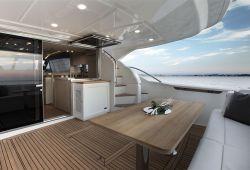 Location bateau Ferretti 650 dans le sud de la France - pont arrière