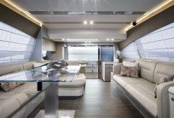 Ferretti 650 nouveaux yachts à louer dans le sud de la France - salon