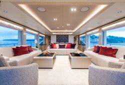 Gulf Craft Majesty 100 à louer dans le sud de la France - salon