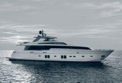 Location yacht Sanlorenzo SL106 dans le sud de la France - en navigation