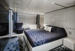 Ferretti Custom Line Navetta 33 - cabine armateur