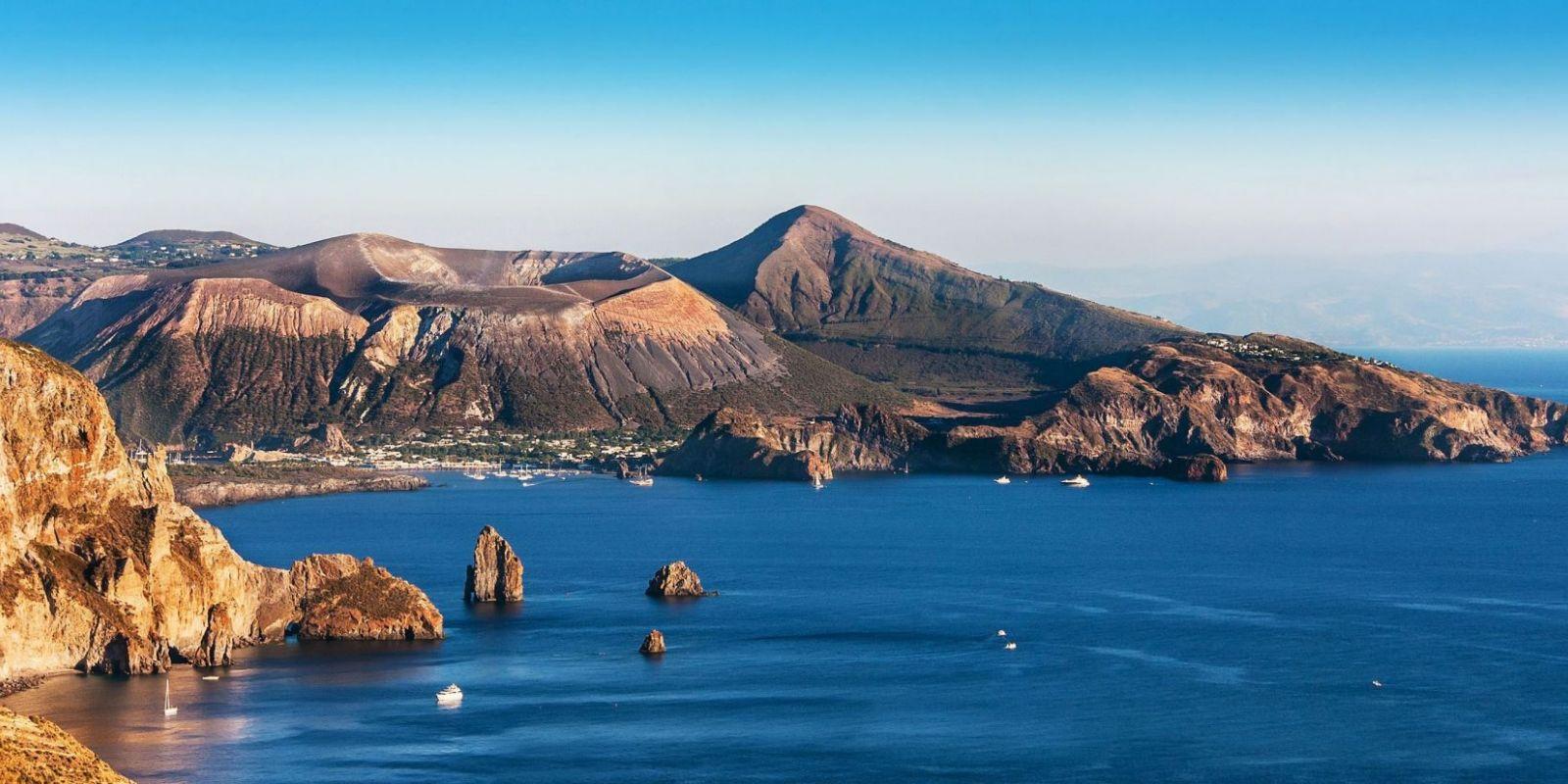 https://www.talamare.fr/medias/Location de yacht en Sicile, louer un yacht dans les îles éoliennes