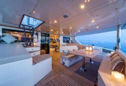 Location catamaran Sunreef 70 en Corse - pont arrière