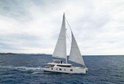 Location catamaran Sunreef 74 en Corse - en croisière