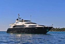 Location yacht Sunseeker 34m dans le sud de la France - en croisière