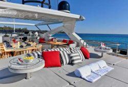 Location bateau Sunseeker 34m dans le sud de la France - sundeck