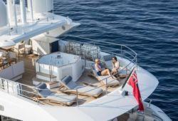 Location bateau Sunseeker 116 dans le sud de la France - sundeck