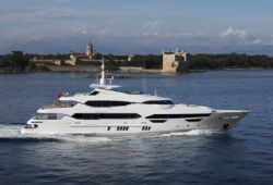 Location yacht Sunseeker 155 dans le sud de la France - en croisière