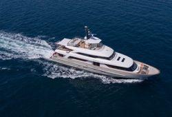 Location yacht Sanlorenzo SD112 dans le sud de la France - en croisière