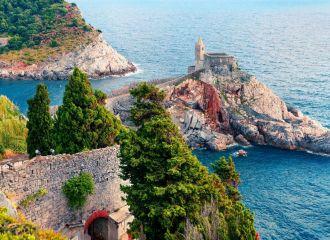 Location yacht Côte d'Azur Riviera italienne, louer un yacht dans le sud de la France et sur la Riviera italienne
