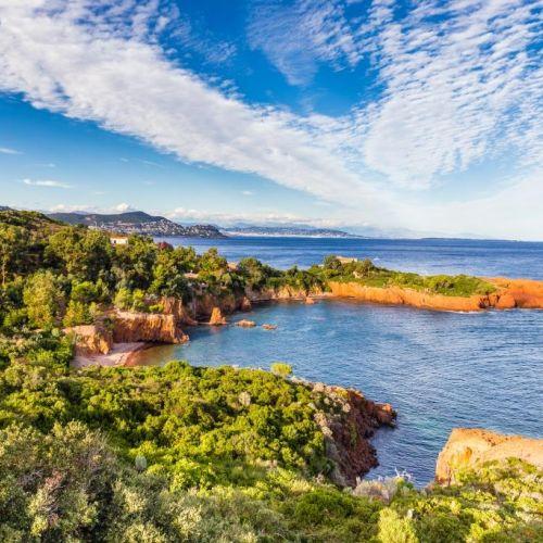 Les roches rouges de l'Estérel près de Cannes sur la Côte d'Azur