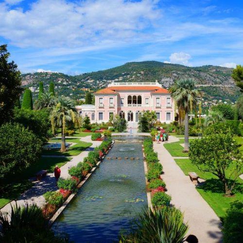 La villa Ephrussi de Rotschild et ses jardins, à Saint-Jean-Cap-Ferrat sur la Côte d'Azur