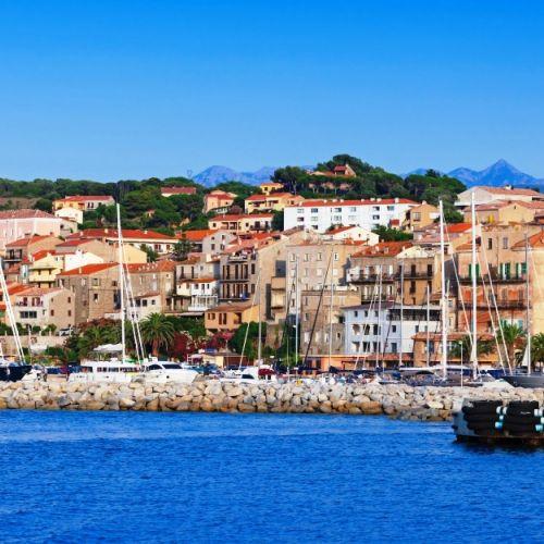 Le village de Propriano et son port en Corse du sud