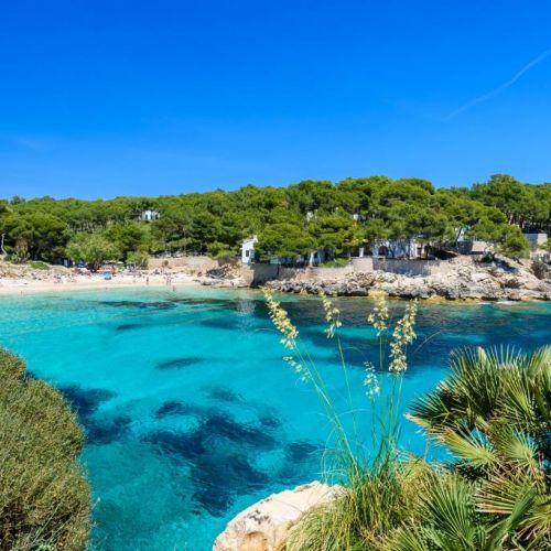 La superbe baie de Cala Ratjada à Majorque dans les îles Baléares