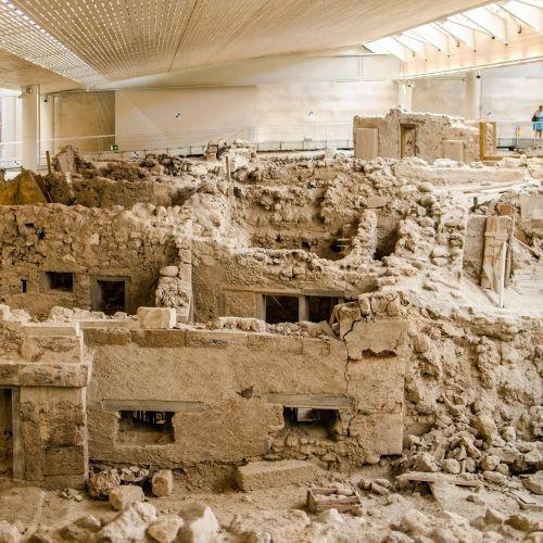 Les vestiges de l'ancienne cité minoenne d'Akrotiri