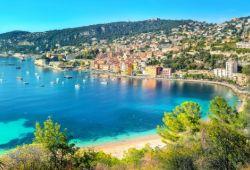 La baie de Villefranche-sur-mer dans le sud de la France