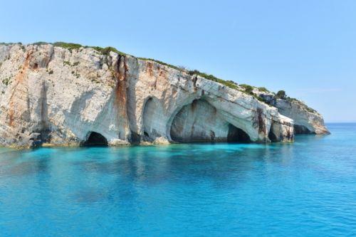 Les Grottes Bleues situées sur l'île de Zakynthos (Zante) en Grèce