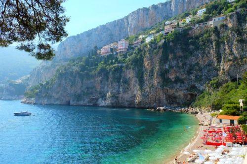 La baie de La Mala à Cap d'Ail sur la Côte d'Azur