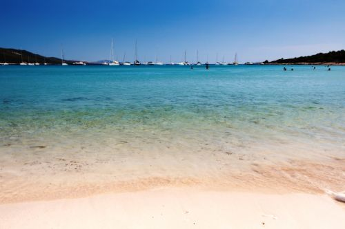 La plage de Saharun dans la région de Zadar en Croatie