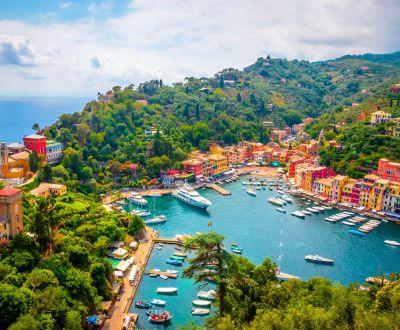 Le port de Portofino et ses yachts sur la Riviera italienne