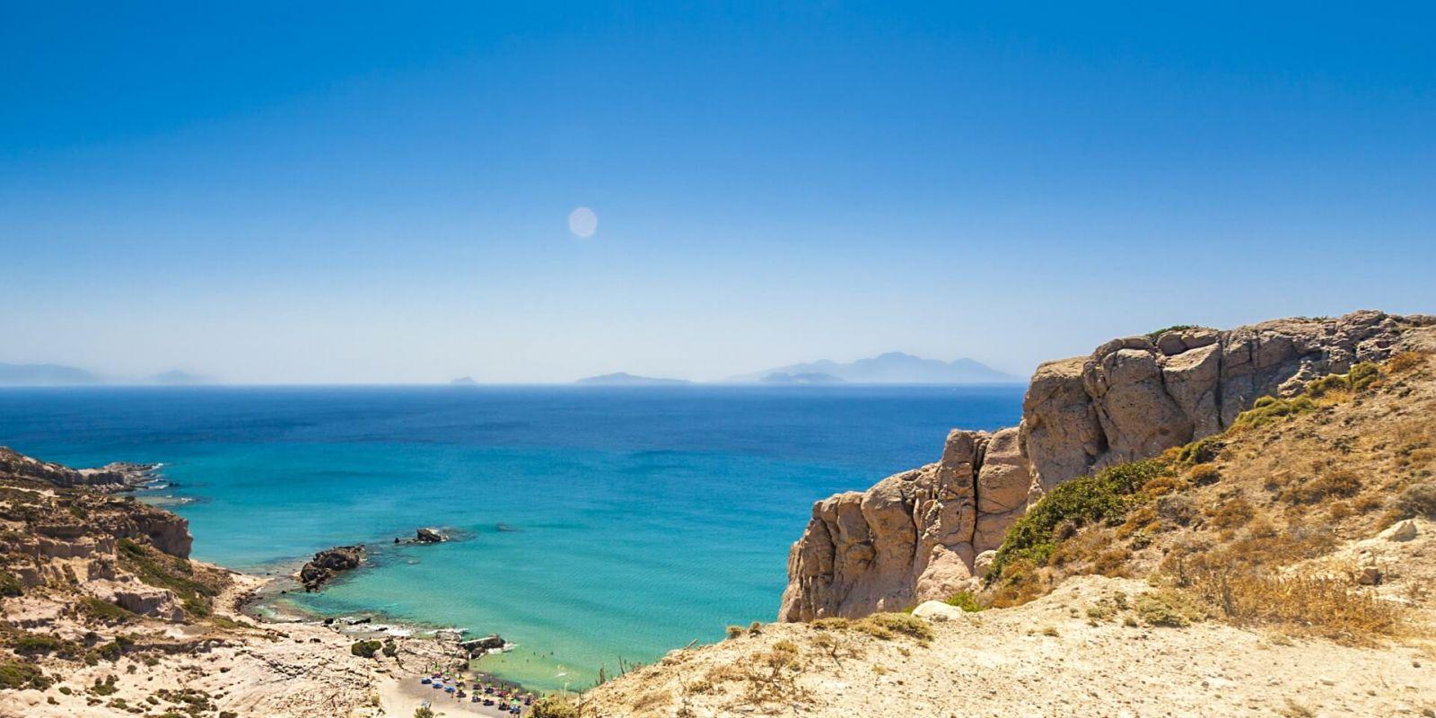 https://www.talamare.fr/medias/Vue de Paradise Beach sur l'île de Kos lors d'une location de yacht en Grèce dans le Dodécanèse