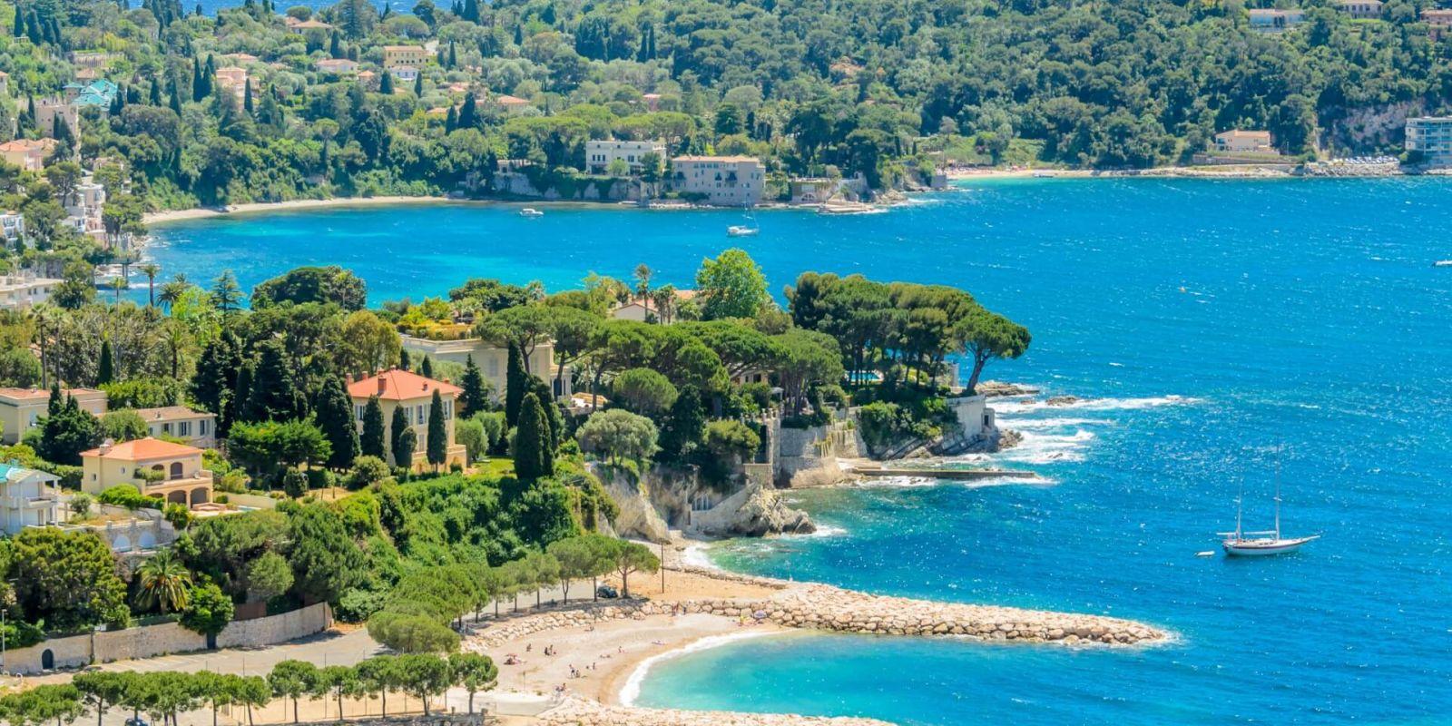 Location yacht Côte d'Azur, louer un yacht dans le sud de la France