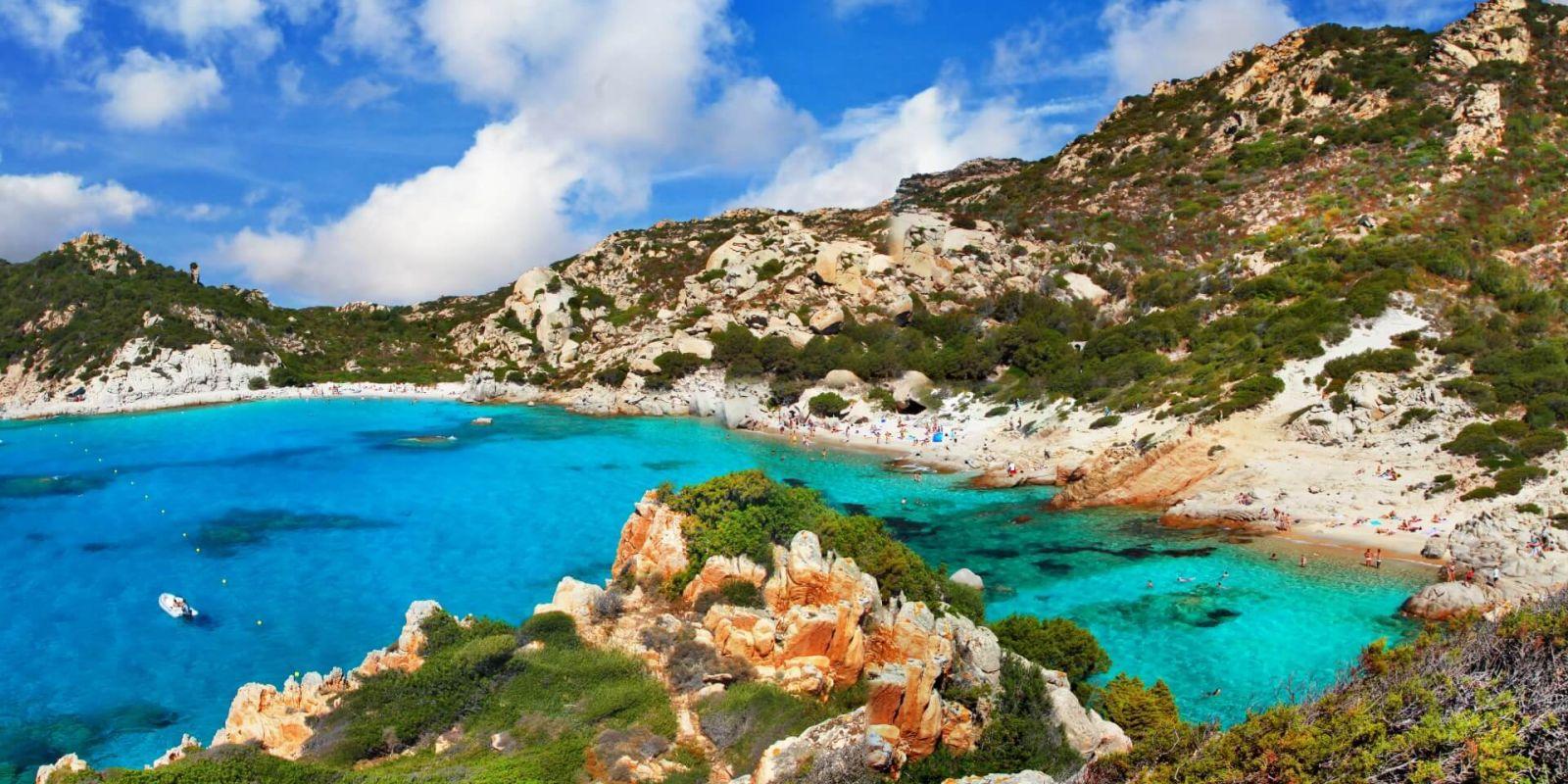 https://www.talamare.fr/medias/Location yacht Corse, louer un yacht en Sardaigne
