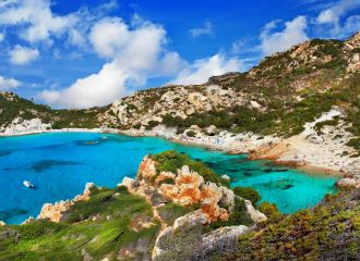 Location yacht Corse, louer un yacht en Sardaigne