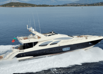 LOCATION YACHT AZIMUT 100