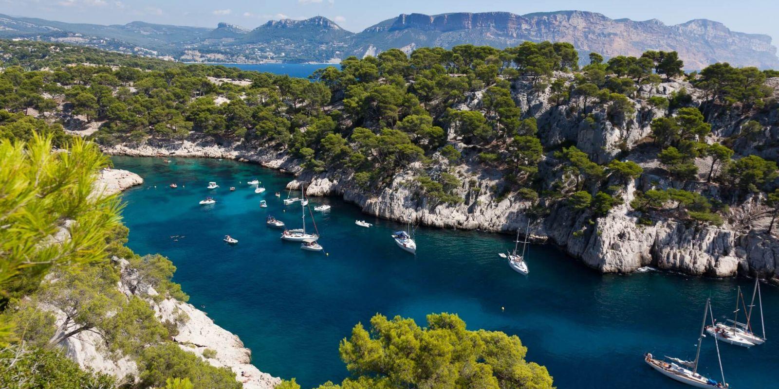 https://www.talamare.fr/medias/Location yacht Calanques, louer un yacht dans les Calanques à Marseille