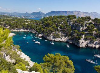 Location yacht Calanques, louer un yacht dans les Calanques à Marseille