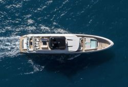 Location bateau Mangusta Oceano 43 dans le sud de la France - vue aérienne