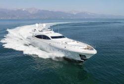 Location yacht Mangusta 165E dans le sud de la France - en croisière