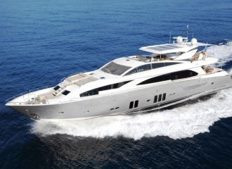 LOCATION YACHT COUACH 3700 FLY