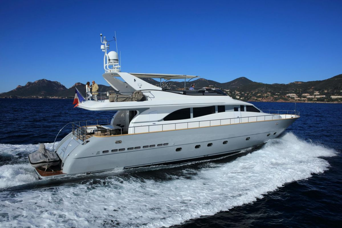 https://www.talamare.fr/medias/LOCATION YACHT LEOPARD 26