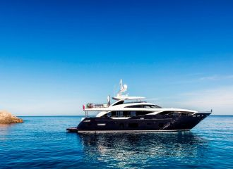 LOCATION YACHT PRINCESS 30M
