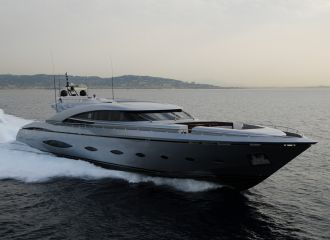 LOCATION YACHT AB140