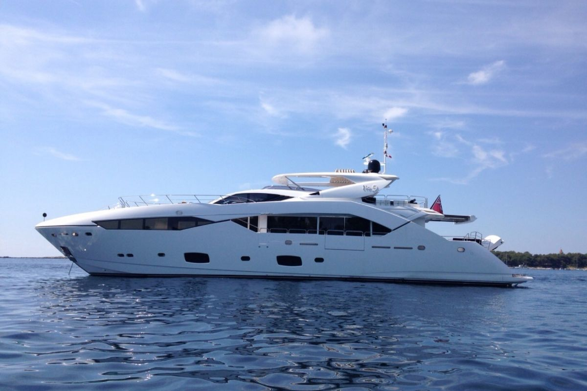 https://www.talamare.fr/medias/LOCATION YACHT SUNSEEKER 115