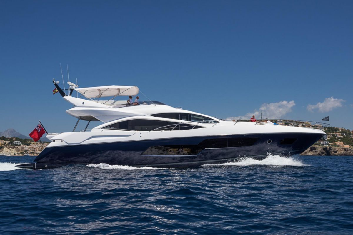 https://www.talamare.fr/medias/LOCATION YACHT SUNSEEKER 80